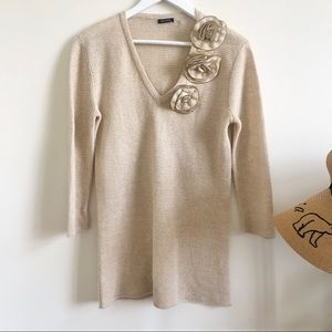 Magaschoni linen knit sweater with flower